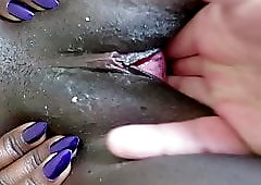 Fingering an African cunt