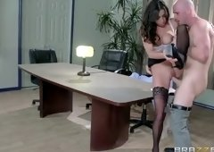 Heavenly busty latino Stephani Moretti is in love with creampie