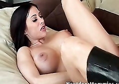 Screwing the ass of a milf in leather boots