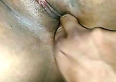 Desi wife's pussy explored