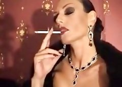 Smoking Domina entices