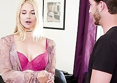 Handsome guy makes Sarah Vandella moan by drilling her cunt