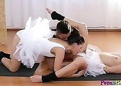 Sporty babes share cock in threesome scene