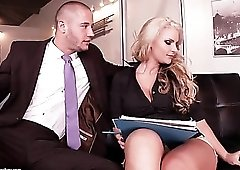Sucking sexy toes of pornstar Phoenix Marie