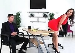 Secretary Sydney Leathers fucks her boss