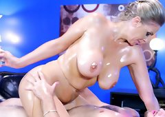 Oiled babe Julia Ann can ride the dick better than anyone else