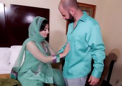 Arab chick fucks like a dirty whore