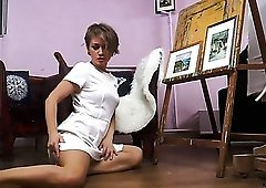 Lady with saggy titties Yulenka has a great idea to masturbate
