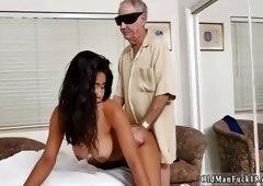 Teen girl tricked guy into sex first time Glenn finishes