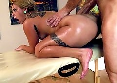Anal banging scene by brave lady and crazy fucker