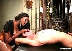 Nyomi Banxxx Porn Video