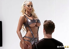 Hardcore rough pussy fuck and a facial for bombshell Nicolette Shea