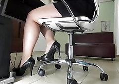 secretary spied giving boss a blowjob