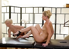 India Summer and Elsa Jean know exactly what the other one needs, while they are making enjoy